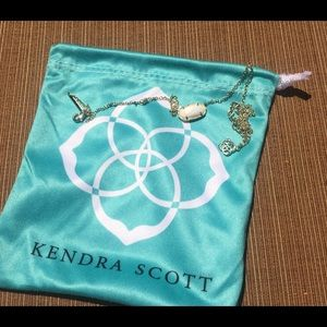 Pearl White& Gold Elisa Pendant Necklace and Bag